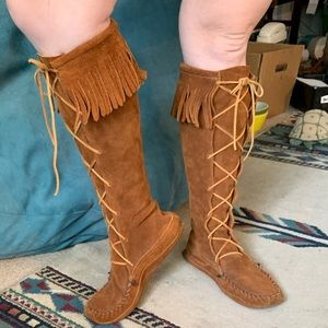 Minnetonka 9 Knee High Festival Suede Brown Fringe